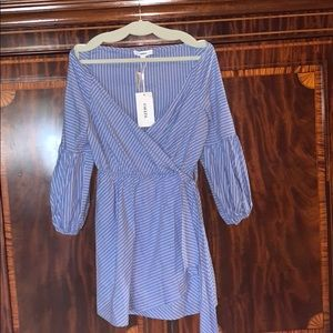 NWT Likely Poplin Off the Shoulder dress!